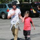 Gavin Rossdale takes his son Kingston to his soccer game in Sherman Oaks, California on April 12, 2015 - 454 x 565