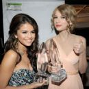 Taylor Swift  2011 People's Choice Awards - Backstage And Audience