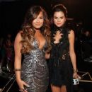 Demi Lovato At The 2011 MTV Video Music Awards - Arrivals - 454 x 361