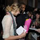 Taylor Swift - Leaves Her Hotel In London, England, 2009-11-23