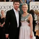 Reese Witherspoon and Ryan Phillippe - The 63rd Annual Golden Globe Awards - Arrivals (2006) - 331 x 612