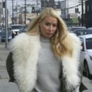 Iggy Azalea runs errands in Calabasas, California on December 10, 2016 - 430 x 600