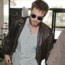 Robert Pattinson Leaving LA to Promote Breaking Dawn