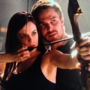 Stephen Amell and Jess De Gouw