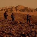 Benjamin Bratt, Tom Sizemore, Simon Baker and Val Kilmer in Warner Brothers' epic adventure Red Planet - 2000 - 400 x 260
