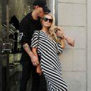 Paris Hilton – Shopping in Milan