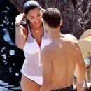 Nicole Scherzinger – Hot in Swimsuit in Capri – Italy - 454 x 674