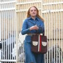 Elisabeth Moss – Filming 'The Kitchen' in New York - 454 x 691
