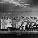 Oklahoma! Original 1943 Broadway Cast Starring Alfred Drake - 454 x 366