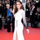 Fahriye Evcen – 'The Meyerowitz Stories' Premiere at 70th Cannes Film Festival - 454 x 681