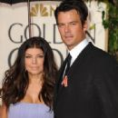 Fergie and Josh Duhamel - 441 x 594