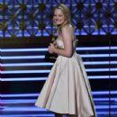 Elisabeth Moss : 69th Annual Primetime Emmy Awards - 434 x 600