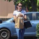 Emma Roberts – Picks lunch up to-go in Los Feliz