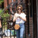 Rose Byrne – Having lunch in Brooklyn - 454 x 681
