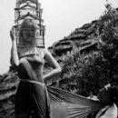 Lotte Tarp, Salvador Dali - 400 x 502