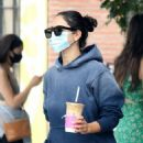 Eiza Gonzalez – Pick up a iced coffee in Los Angeles