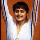 Nadia Comaneci - 220 x 275