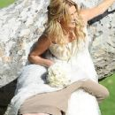 Brandi Glanville gives new meaning to the term 'blushing bride' as a series of  mishaps mar her bridal shoot - 306 x 567