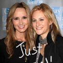 Chely Wright and Lauren Blitzer - 450 x 634