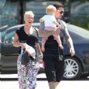 Pink out in Malibu with Carey Hart and Willow (August 9) - 454 x 563