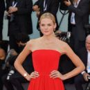 Gabriella Wilde – 'First Man' Premiere and Opening Ceremony at 2018 Venice International Film Festival in Venice - 454 x 681