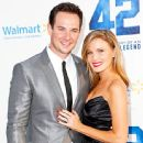 Exclusive: Ryan Merriman of Pretty Little Liars Weds Kristen McMullen