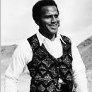 Fred Williamson - 360 x 480