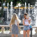 Lottie Moss – Shopping candids at The Grove in LA With Emily Blackwell - 454 x 637