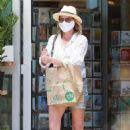 Robin Wright in Denim Shorts – Out in Pacific Palisades