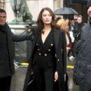 Olga Kurylenko – Balmain Fashion Show 2018 in Paris - 454 x 681