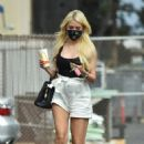 Holly Madison – Seen as she stops at a studio in Los Angeles