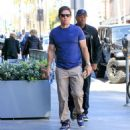 Mark Wahlberg runs errands in Beverly Hills on March 8, 2016 - 454 x 493