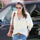 Alessandra Ambrosio – Heads to lunch at The Ivy in Santa Monica - 454 x 681