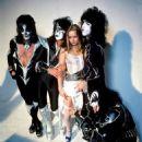 Kiss & Star Stowe, Mothers Studio, New York City, April 9, 2014 - 454 x 659