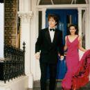 Elizabeth Hurley and Hugh Grant - 454 x 614