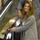 Maria Menounos – Arrives at Louis Armstrong International Airport in Louisiana - 454 x 681