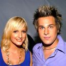 Ashlee Simpson and Ryan Cabrera - 454 x 434