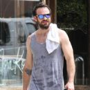 English actor Charlie Cox is spotted working up a sweat after working out in New York City, New York on August 16, 2016 - 454 x 547