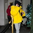 Noah Cyrus in a Yellow Fur Coat – Leaving Delilah Restaurant in West Hollywood - 454 x 681