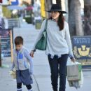 Selma Blair is seen out shopping for groceries in Studio City, California on January 21, 2017 - 454 x 556