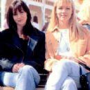 Shannen Doherty as Brenda Walsh and Jennie Garth as Kelly Taylor in Beverly Hills, 90210 (1990)