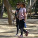 Natalie Portman Hiking in Los Feliz - 454 x 303