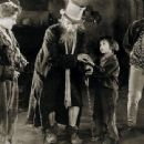 Lon Chaney: Behind the Mask - 454 x 340
