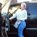 Amber Rose and Kat Von D have lunch at Urth Caffe in West Hollywood, California - February 10, 2014 - 422 x 594