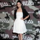 Jessica Pare – 'SEAL Team' Premiere in Los Angeles - 454 x 627