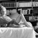 Catherine Deneuve - 454 x 361