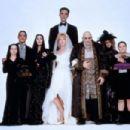 Christopher Lloyd, Carel Struycken, Raul Julia, Joan Cusack, Anjelica Huston, Carol Kane, Christina Ricci, Jimmy Workman, Joan Cusack in Addams Family Value (1993)