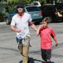Gavin Rossdale takes his son Kingston to his soccer game in Sherman Oaks, California on April 12, 2015 - 454 x 572
