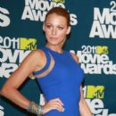 Blake Lively At The 2011 MTV Movie Awards - 396 x 594