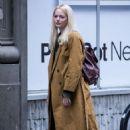 Emma Stone – Filming 'Maniac' set in New York - 454 x 681